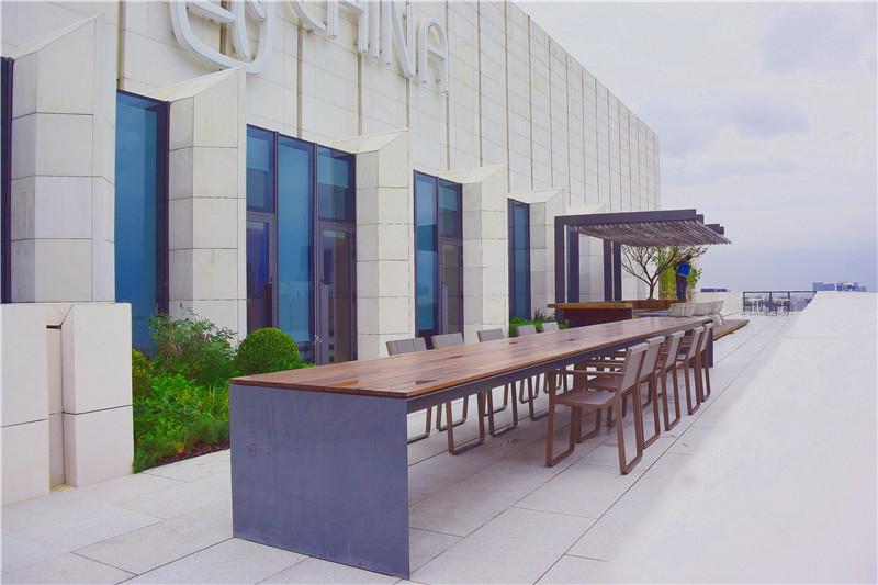 外滩SOHO会所露台花园设计
